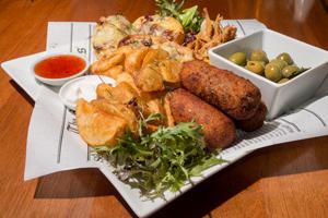 Parks Tavern Sports Bar Tasting Plate